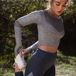 BRAND NEW Long Sleeve Mesh Cropped Gym/Workout Top
